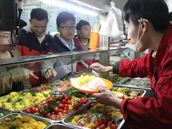 学校食堂承包在经营中有哪些优点